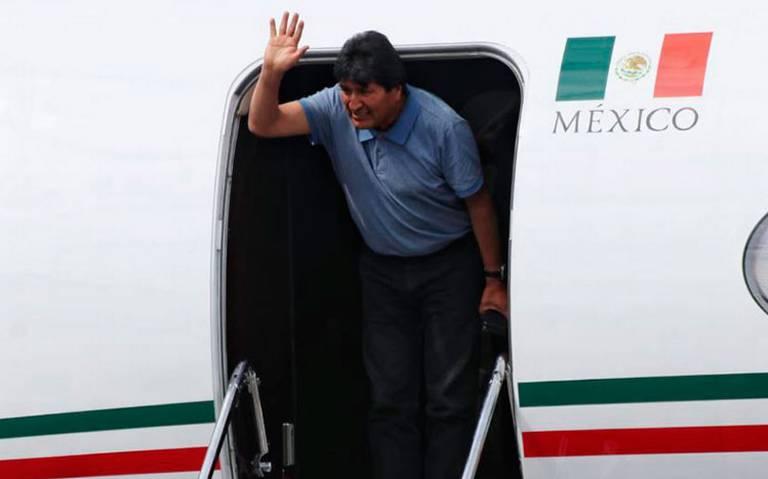 Aterriza avión a México con Evo Morales