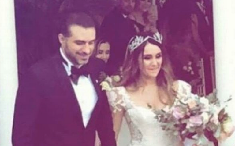 En secreto, Dulce María se casa con el productor Paco Álvarez