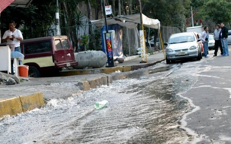 Más de 100 fugas diarias de agua en Coyoacán