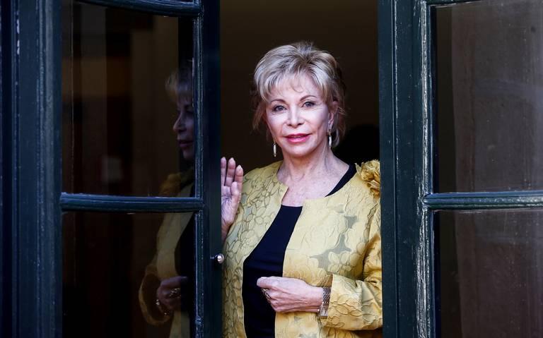 Premian a Isabel Allende por novela histórica