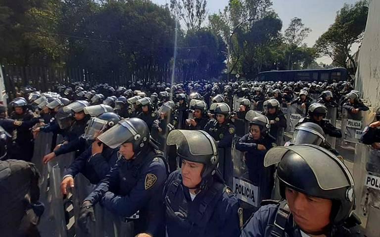 Policía capitalina instala cerco en San Lázaro por marcha de campesinos