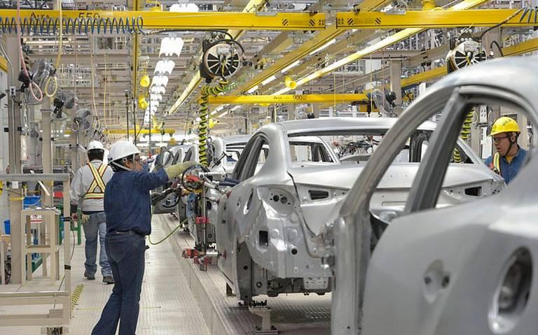 Industria automotriz registra caídas históricas en octubre