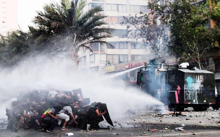 Chile: inicia huelga y cae peso