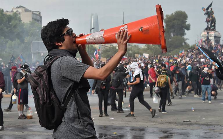 Sismo de magnitud 6.3 sacude zona central de Chile durante protestas