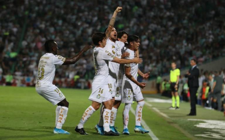 Santos supera al Cruz Azul y asegura liderato del Apertura