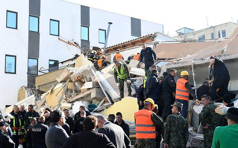 Sismo de magnitud 6.4 deja al menos 13 muertos en Albania