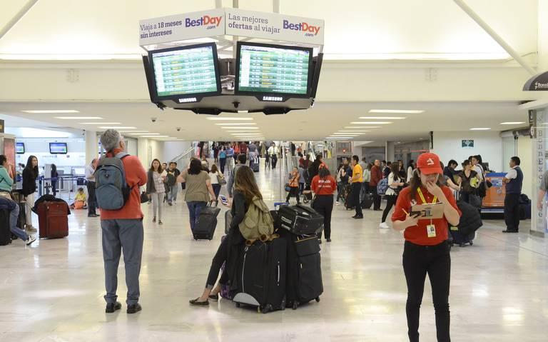 Atiende Profeco a consumidores afectados por cancelación de vuelos de INTERJET