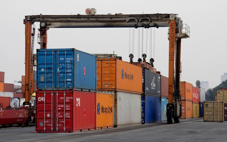 Exportaciones mexicanas caen 2.9% en noviembre, reporta Inegi