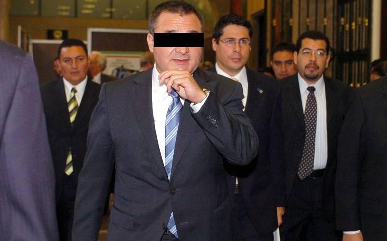 Van para afuera funcionarios del actual gobierno, ligados a García Luna: AMLO