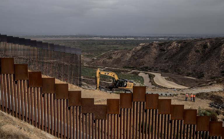 Juez de EU bloquea 3 mil 600 mdd que Trump destinó al muro fronterizo