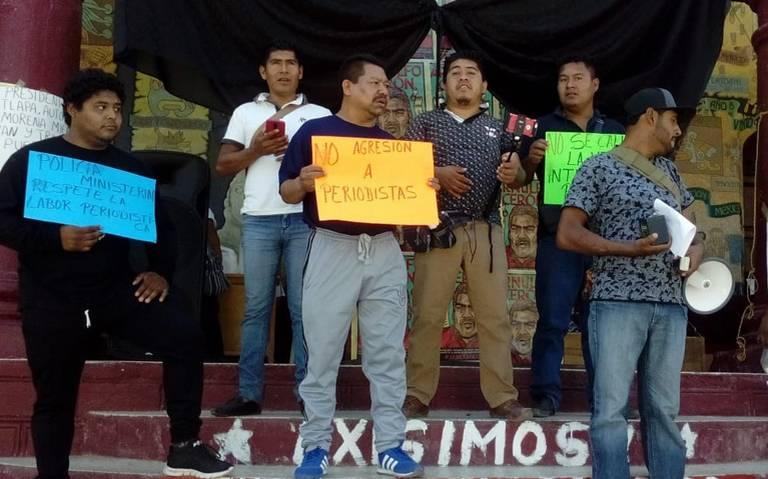 Protestan periodistas en Tlapa, Guerrero, contra agresiones de autoridades
