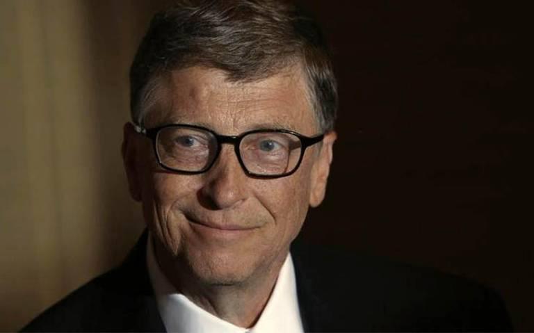Bill Gates envía paquete de 36 kilos lleno de regalos ¡a su amiga invisible!