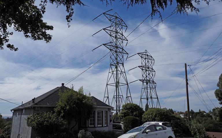 AMLO asegura que tarifas de luz han bajado