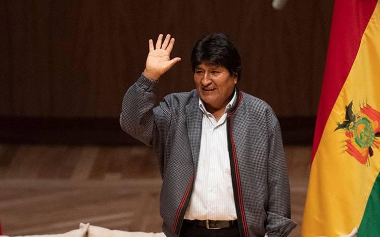 Llega Evo Morales a Argentina; pedirá ser refugiado político