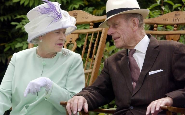 Esposo de la reina Isabel II se encuentra bien atendido, confirma príncipe Carlos
