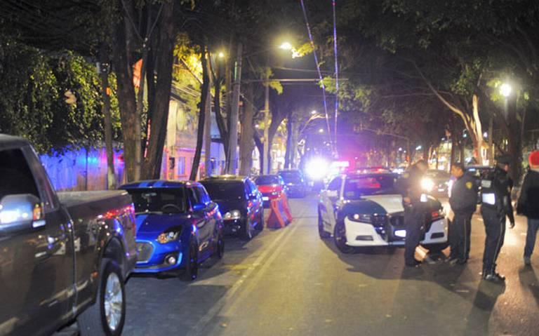 Detienen a automovilistas por realizar arrancones en Miguel Ángel de Quevedo