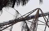 Falla juego en Six Flags, personas quedan atrapadas