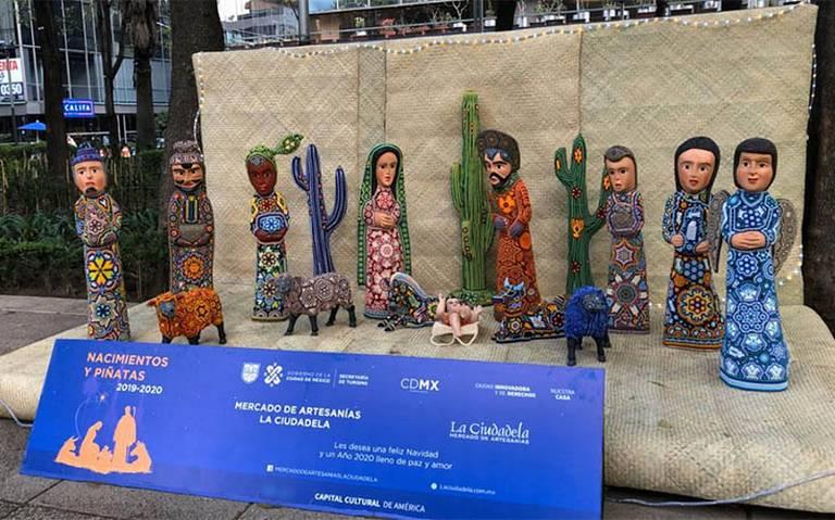 ¡Nacimientos y piñatas monumentales invaden Reforma esta Navidad!