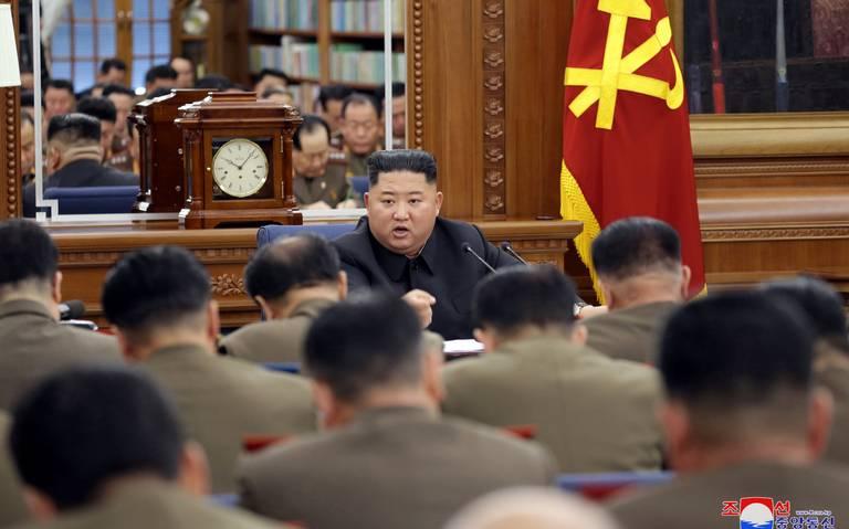 """Kim Jong Un amenaza a EU con """"regalo navideño"""""""