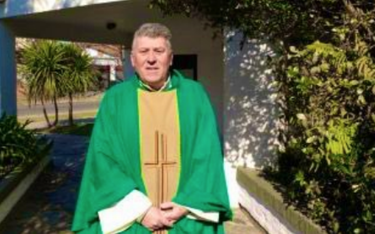 Hallan muerto a sacerdote argentino acusado por pederastia