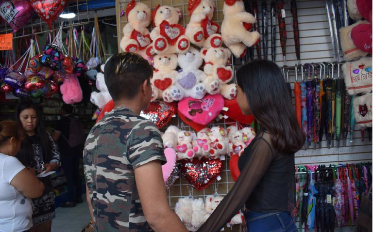 Preparado el comercio para San Valentín