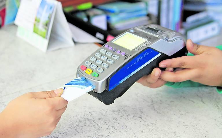Hay incertidumbre entre xalapeños por uso de tarjetas bancarias