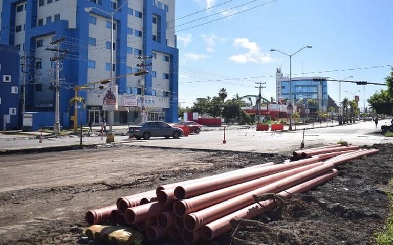 Avalan constructores trabajos de remodelación en la Rafael Buelna