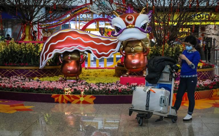 China pone en cuarentena a dos ciudades para frenar epidemia de coronavirus
