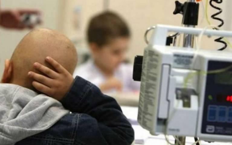 """""""Desabasto está afectando a nuestros niños"""", realizan colecta para tratamiento contra cáncer"""