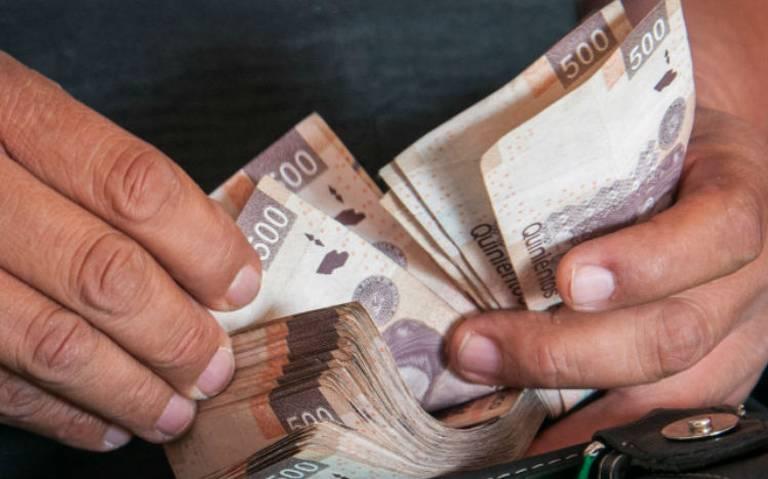 Ante caída de PIB, AMLO destaca el bienestar