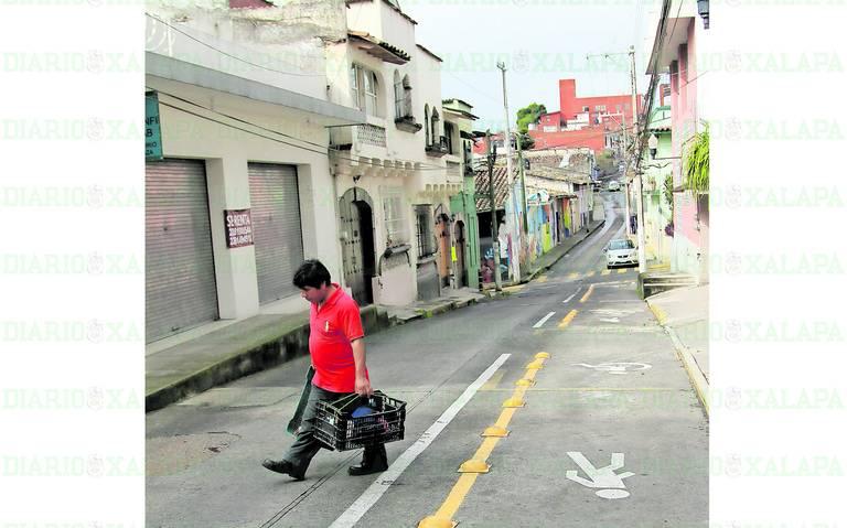 Le quitan privilegios a autos en Xalapa; gana el peatón