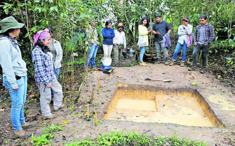 Arqueólogos de UV hallan vestigios de asentamiento prehispánico en la región
