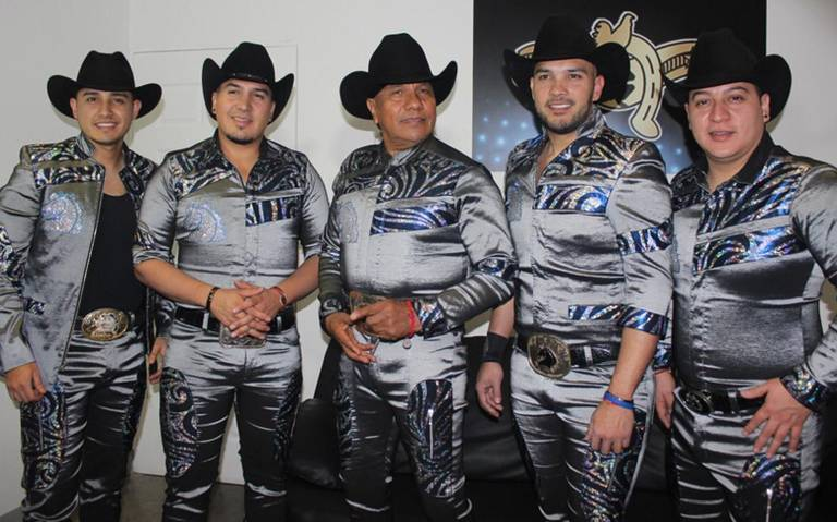 Bronco a puro galope en el Palenque de la Feria Estatal de León 2020