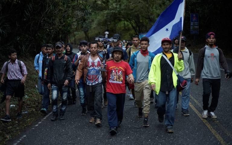 Caravana migrante se prepara para ingresar a México