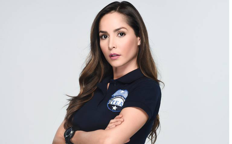 Catalina Santana va al bando de la justicia en Sin senos sí hay paraíso 2