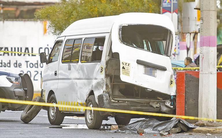 Choque de combi en Neza deja un muerto y varios lesionados