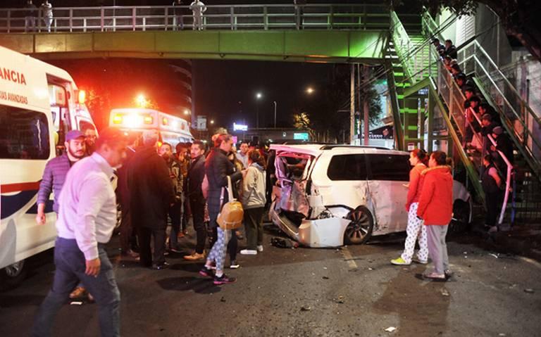 Atropella a tres durante choque por arrancones en avenida Universidad