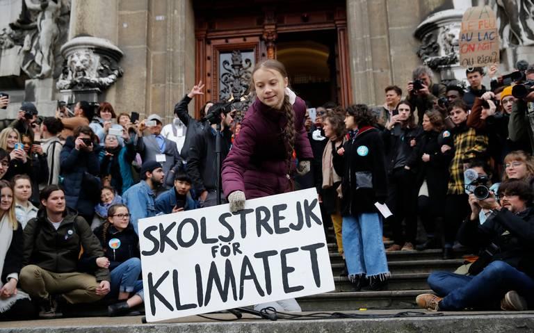 Greta Thunberg protesta contra cambio climático con miles de jóvenes en Lausana