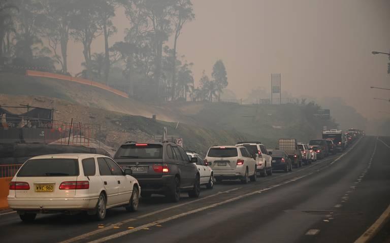 Éxodo masivo por amenaza de recrudecimiento de incendios en Australia