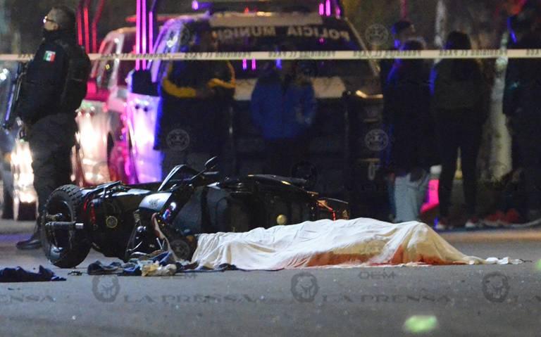 Muere atropellado tras derrapar en su moto en Neza