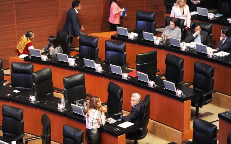 En iniciativas, legisladores no jalan parejo en el Senado