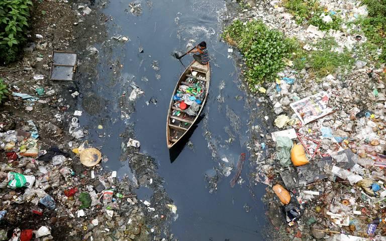 Toneladas de plástico colapsan cada año los océanos