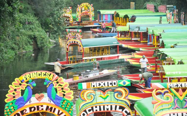 Formalizan normas para las trajineras en Xochimilco