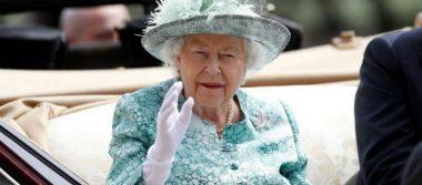 """Reina Isabel II pide a consejeros una """"solución"""" ante anuncio de Harry y Meghan"""
