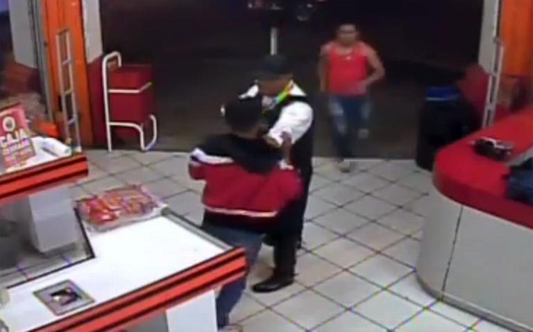 [Video] Muere policía de Cuernavaca al impedir asalto y enfrentar a delincuentes