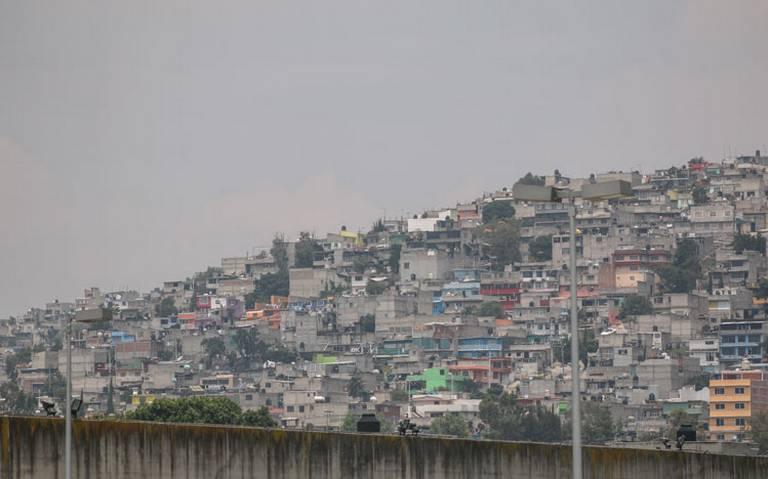 Analizan reubicación de asentamientos irregulares en CDMX
