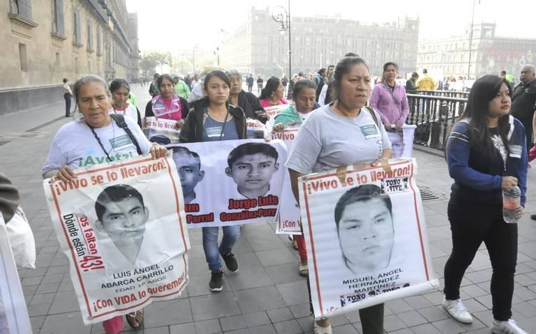 AMLO revisa avances de la investigación de Ayotzinapa