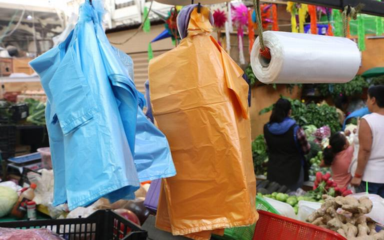 Para evitar amparos por bolsa de un solo uso se platicará con industriales: Sheinbaum