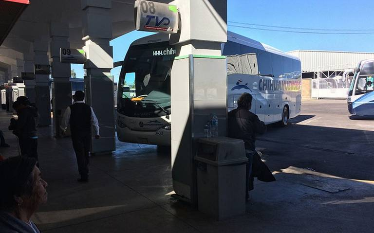 Confirman ataque armado en contra de autobús, en Durango