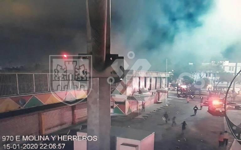 Se incendia mercado Morelos en la Venustiano Carranza